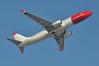 'DY15U' (DY1315) LGW-BGO (A380spotter) Tags: takeoff departure climbout belly boeing 737 800w lnngz whitetail norwegiancom norwegainairshuttleasa nax dy dy15u dy1315 lgwbgo runway08r 08r london gatwick egkk lgw