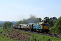 33108 - Bewdley tunnel (Andrew Edkins) Tags: 33108 class33 crompton railwayphotography bewdleytunnel severnvalleyrailway preservedrailway travel trip may 2018 geotagged canon light foleypark passenger diesel clag worcestershire bewdley summer trees curve sun glint sulzer type3 landscape people bluesky afternoon