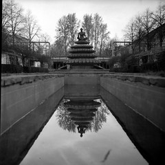 Before the water comes (irgendwiejuna) Tags: fountain indian berlin blackandwhite fomapan fomapan100 yashica yashica635 tlr 120 6x6 selfdeveloped caffenol caffenolcl mediumformat reflections