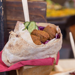 Falafel with red cabbage and cucumber thumbnail