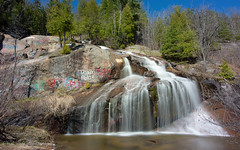 Le temps qui coule (Danny Lamontagne) Tags: chute fall water eau mouvement
