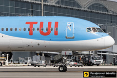 Boeing B757 TUI G-OOBE (Ana & Juan) Tags: airplane airplanes aircraft airport aviation aviones aviación boeing 757 b757 tui taxiing alicante alc leal spotting spotters spotter iialcspotterday planes canon closeup