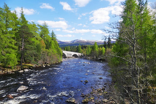The river Dee and the Old Bridge of Dee