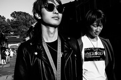 Cool Kids of Higashi Chaya (Scott F Thompson) Tags: higashichaya kanazawa japan streetphotography blackandwhiite youth sunglasses