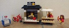 April 25: Sausage with that coffee? (Snowhitie) Tags: lego coffee city abuildadaykeepsthedoctoraway
