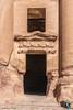 DSC1131 Tumbas Reales - Tumba de la Urna, Petra (Ramón Muñoz - ARTE) Tags: petra jordania ciudad antigüedad city de piedra en antigua arqueológico arqueología tumbas reales tumba la urna las urnas