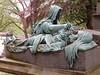 Père-Lachaise Cemetery: statue (John Steedman) Tags: フランス france frankreich frankrijk francia parigi parijs 法国 パリ 巴黎 cimetière cemetery cementerio grave tomb angel cgth friedhof cimetièredupèrelachaise pèrelachaise