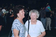 Betty and her Mom share a laugh. (BarryFackler) Tags: trinafellbaum trinaleefellbaum classof1999 canyondelorohighschool orovalleyaz arizona highschoolgraduation highschool 1999 event occasion milestone familyhistory ceremony bettyfackler bettybowen betty marianbowen motheranddaughter outdoor laughter laughing laugh smile smiling happy barryfackler barronfackler family people