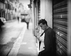 Break (ROSS HONG KONG) Tags: florence italy break worker rest resting street streetphoto black white blackandwhite noir monochrome blanc leica m8 noctilux 095