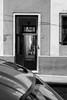 A l'abri des regards (Marc Nikonis) Tags: aires america americana amerique amérique argentina argentine black blanc buenos capitale city contraste contrejour dx femme frau fuji fujifilm fussgaenger gegenlicht gens gente hafen haupstadt homme individus latina latine latino leute licht light lumière man noir ombres passant people personnes port porto potuaire pro rue schwarz soleil south stadt strasse street sud sun urbain urban vallecitos ville weiss white women x xpro1 xserie