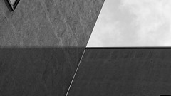 Complexities 207 HH 037 KS1 2018 sw (SAPhD.com) Tags: 5sterne 500px architecture architecturenow artinbw artminimal beton building cityscape complexities digital dslr facadedetail fotoforum hafencity hamburg ks1 minimalarchitecture minimalisticexcerpt modernarchitecture noperson objectphotography pentax pentaxks1 pentaxart pentaxlife roughsurface saphd skyline surfacetexture texture urban urbanabstraction urbanarchitecture