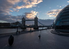 More London early morning (Spannarama) Tags: towerbridge morelondon earlymorning london uk blueskies clouds cityhall river thames sculpture blackegg