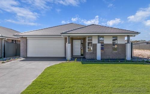 13 Foxtail St, Fern Bay NSW 2295
