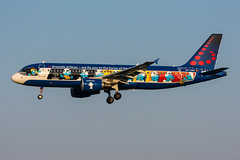 "OO-SND - Brussels Airlines - Airbus A320-214 - ""Belgian Icons - The Smurfs"" special colours (5B-DUS) Tags: oosnd brussels airlines airbus a320214 belgianiconsthesmurfs special colours a320 bru ebbr belgium brüssel airport aircraft airplane aviation flughafen flugzeug planespotting plane spotting"