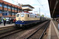 E10 1239 komt binnen met een trein uit Wittlich. (vos.nathan) Tags: centralbahn e10 1239 110 br baureihe trier hbf hauptbahnhof