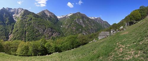 Revöira / Ar Cistèrna, Valle Verzasca. Canton Ticino, Svizzera