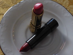 Crayon!!  P1040927 (amalia_mar) Tags: weeklythemes double pencilpenpencilsharpenercoloringpencilcrayon macromademoiselle