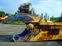 (Jean-Luc Léopoldi) Tags: industrial démolition factory usine machine monster eat dévorer paréidolie