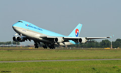 Korean Air Lines Boeing 747-4B5F(ER) HL7603 / AMS (RuWe71) Tags: koreanairlines kekal koreanair koreanaircargo southkorea seoul korea republicofkorea boeing boeing747 boeing747f b747 b747f b744 b744f boeing747400 boeing747400f boeing7474b5f boeing7474b5fer hl7603 cn343021368 amsterdamairport amsterdamschipholairport amsterdamschiphol schiphol schipholairport schipholamsterdam ams eham polderbaan widebody winglets cargo freighter cargoaircraft jumbo queenoftheskies runway