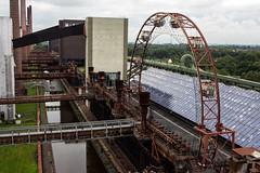 Abandoned ferris wheel at Zeche Zollverein, Germany (OnTheRoadAgainBlog) Tags: abandonedplace abandoned lost zeche zollverein essen ruhrgebiet germany europe canon 700d 24mm