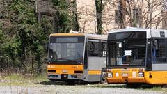 AMT 4322 e 9113 (Lu_Pi) Tags: amt genova autobus bus bredamenarinibus bmb m321 bredabus bredabus2001 pininfarina bolzaneto busradiato busaccantonato autobusradiati bredone autosnodato busarticolato