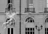 Zizi bulle (ZUHMHA) Tags: marseille france bulles bubble line lignes courbes curve geometry géométrie forme form sphère cercle circle savon eau water urban urbain irisé sculpture mur wall fenêtre windows lampadaire tuyau pipe monochrome reflet reflection