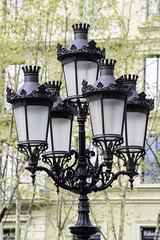 Lampadaire, Barcelone (derepy) Tags: streetlamps lampadaires ferronnerie