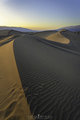 Curves (ihikesandiego) Tags: mesquite sand dunes death valley national park sunset