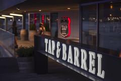Tap & Barrel (_K1_0831) ([Rossco]:[www.rgstrachan.com]) Tags: britishcolumbia canada coalharbour conventioncentre jackpooleplaza tapbarrel vancouver pub restaurant ca