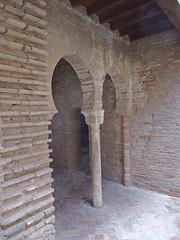 DSCF5572 Baño de la Mezquita, Alhambra, Granada (Thomas The Baguette) Tags: granada spain granadaspain espagne espana alhambra nesrid nesridpalace patiodelosleones lionfountain comares moorish fountains architecture gardens machuca alcazaba