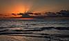 2017-09b-F7334 copia (Fotgrafo-robby25) Tags: alicante amanecer costablanca fujifilmxt2 marmediterráneo nubes rayosdesol