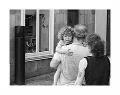""""""" La coquette connaît bien la puissance de ses yeux quand ils sont noyés de pleurs. """" (The Blue Water Lily's Company) Tags: fdrouet nb bw monochrome monochrom nikon d90 enfant child street rue"""