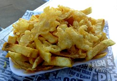 Yorkshire Chips with Scraps topping (Tony Worrall) Tags: add tag ©2018tonyworrall images photos photograff things uk england food foodie grub eat eaten taste tasty cook cooked iatethis foodporn foodpictures picturesoffood dish dishes menu plate plated made ingrediants nice flavour foodophile x yummy make tasted meal nutritional freshtaste foodstuff cuisine nourishment nutriments provisions ration refreshment store sustenance fare foodstuffs meals snacks bites chow cookery diet eatable fodder scarborough chips dripping scraps fries potato spuds fried yorkshire