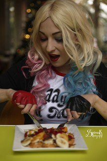Everyday Cosplay #13: Nervven Cosplay as Harley Quinn (Eating)