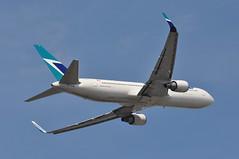 WS0004 LGW-YYZ (A380spotter) Tags: takeoff departure climb climbout belly boeing 767 300er 300erw cfogj ship671 vhogj westjetairlinesltd wja ws ws0004 lgwyyz runway08r 08r london gatwick egkk lgw