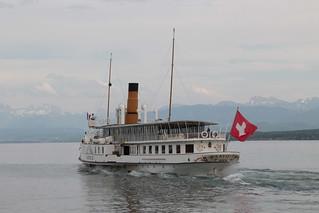 Dampfschiff DS Savoie ( Baujahr 1914 - Länge 68 m - 690 Personen - CGN Compagnie Générale de Navigation sur le lac Léman - Schaufelraddampfer Salondampfer ) auf dem Genfersee bei Nyon im Kanton Waadt - Vaud in der Westschweiz der Schweiz
