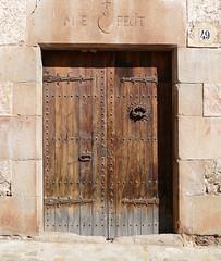 SANT PRIVAT D'EN BAS - PORTA (Joan Biarnés) Tags: santprivatdenbas garrotxa 250 panasonicfz1000 porta puerta
