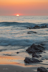 Les derniers rayons (Vince MESLET) Tags: cotesdarmor erquy plage bretagne coucherdesoleil lanruen mer nature paysage vague