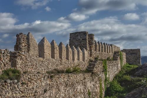 Almenas y defensas del castillo de Clavijo.