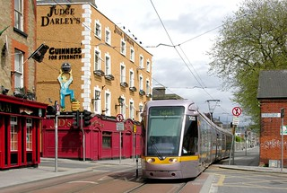 LUAS Dublin: Red Line 3020 westbound on Benburb Street at Temple Street West