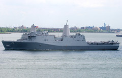 USS Arlington (LPD-24), USA NAVY, San Antonio-class amphibious transport dock, in New York, USA. May, 2018 (Tom Turner - NYC) Tags: arlington ussarlington lpd24 navy military usnavy usanavy unitedstatesnavy san antonoclass sanantonioclass amphibioustransportdock tomturner newyork nyc bigapple usa unitedstates narrows bay water waterway channel marine maritime pony port harbor harbour transport transportation fleetweek fleetweek2018 fleet fleetweeknyc