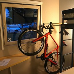 My bike can't stand being in a hotel after a day in the back of the van... It's continually looking out the window... #MyCanyon #Alpecincycling #BicyclingNL #Wahooligan
