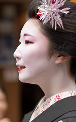 Hassaku (byzanceblue) Tags: 京都 gion maiko japan kyoto japanese dance woman girl female cute lovely beautiful beauty 舞妓 舞踊 geisha kimono traditional geiko kanzashi formal 祇園 black 花街 white color colour flower nikkor background people photo portrait professional lady lovery 芸妓 着物 bokeh 節分 red traditonal 奉納舞 祇園小唄 祇園甲部 tama