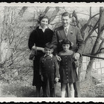 Archiv P376 Familie, Sondershausen, DDR-Zeit, 1954 thumbnail