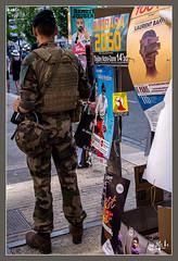 La sécurité / Security - Festival d'Avignon / Avignon's festival (christian_lemale) Tags: avignon festival théâtre theater france nikon d7100 militaire soldier sécurité security homme man