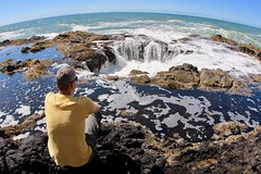 David watching the water fall into well (daveynin) Tags: tidepools cave hole mememe hightide tides waves ocean pacificocean