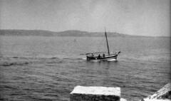 9199.boat (Greg.photographie) Tags: minolta xg1 rokkor 50mm f17 film analog polypan f50 r09 standdev noiretblanc bw blackandwhite boat sanary