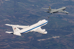 E-4B - National Airborne Operation Center (MulesAFpilot) Tags: usaf kc135 e4b naoc nationalairborneoperationscenter airforce strategic usstratcom offuttafb 190arw 190thairrefuelingwing 595thcommandandcontrolgroup afgsc airforceglobalstrikecommand globalstrikecommand 747 airrefueling formation 747200b