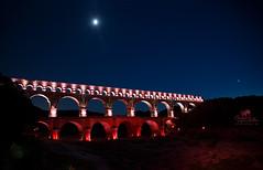 Frankreich_Provence_Pont du Gard (Simone Schloen ☞ www.bilderimkopf.de) Tags: frankreich provence brücke licht rot blau wasse bridge light red blue water pontdugard france