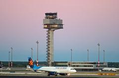 Berlin SXF 1.7.2018 Israir A-320 (rieblinga) Tags: berlin sxf flughafen schönefeld israir a320 172018 tower ber